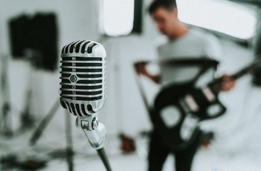 Albüm yapan müzisyenlerin asıl amacı albümü sadece yayımlatmak değil, fazla dinleyiciye ulaştırmak olmalı. Bu durumda dijital medya pazarlamasının önemi
